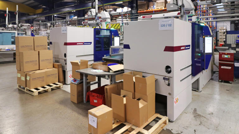 Two new Wittmann Battenfeld UK production cells purchased by Linear Plastics